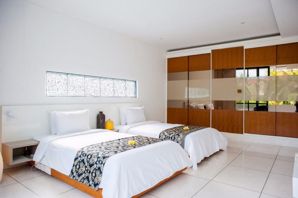 Villa musk 5 chambre bali seminyak 4 house renting for Location 4 chambres