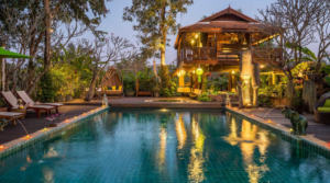 For rent Thailand Chiang Mai Villa Woody (6 bedrooms)