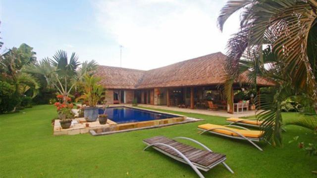 For Rent Bali Villa Bo Satu (3 Bedrooms)