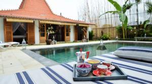 Location Villa Joglo Lovina (3 chambres)